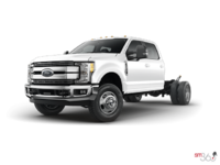 2017 Ford Chassis Cab F-350 LARIAT | Photo 1 | Oxford White