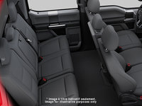2018 Ford Chassis Cab F-350 XLT | Photo 2 | Medium Earth Grey Cloth, Luxury Captain's Chairs (2S)