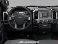 2018 Ford Chassis Cab F-450 XLT | Photo 3 | Medium Earth Grey Cloth, Luxury Captain's Chairs (2S)
