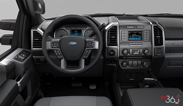 2018 Ford Super Duty F-250 XLT | Photo 3 | Medium Earth Grey Cloth, Luxury Captain's Chairs (2S)