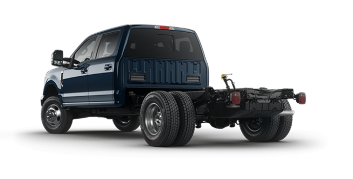 2017 Ford Chassis Cab F-350 LARIAT | Photo 5 | Blue Jeans