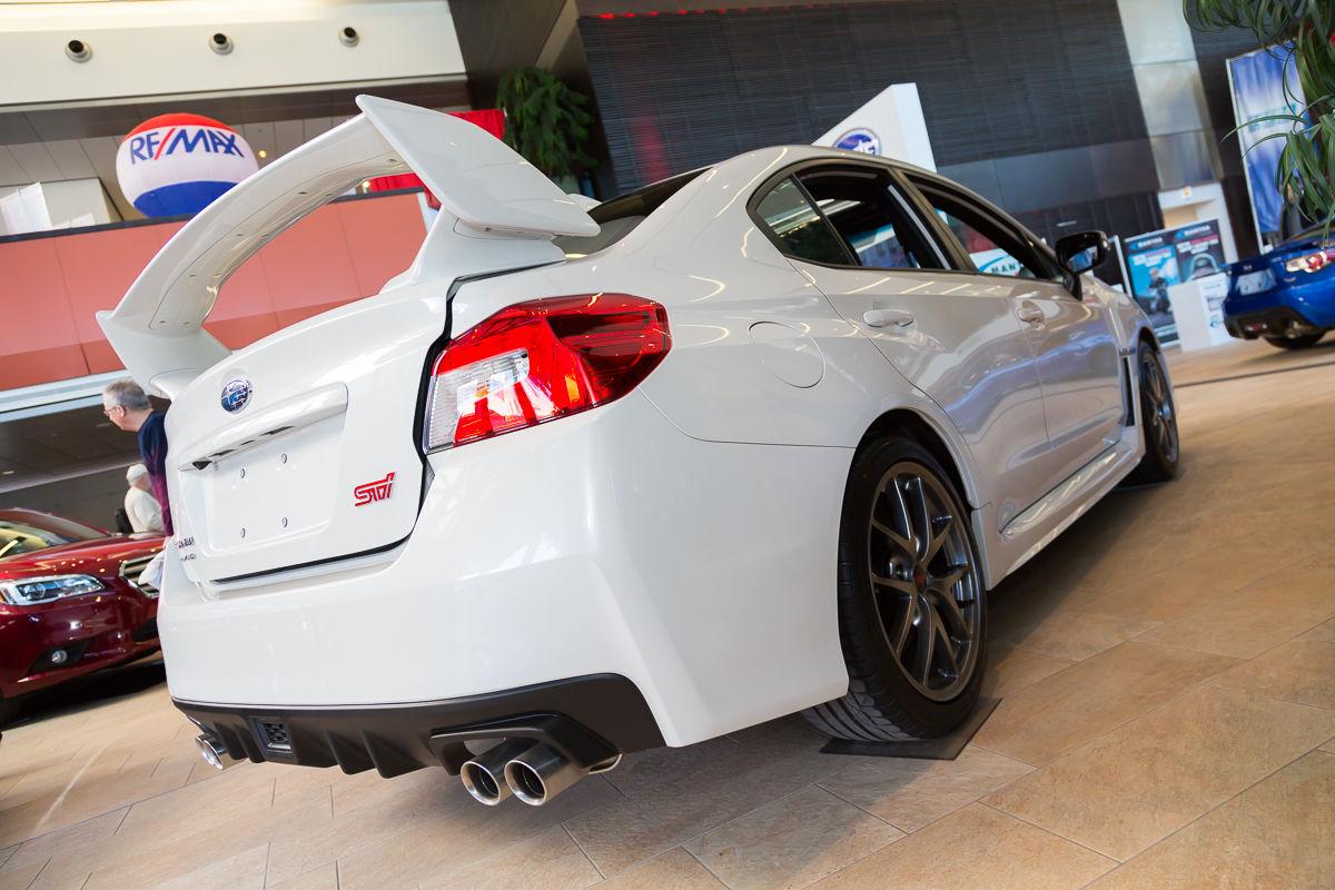 Salon de l 39 auto d 39 ottawa subaru wrx et sti 2015 par for Salon de auto 2015