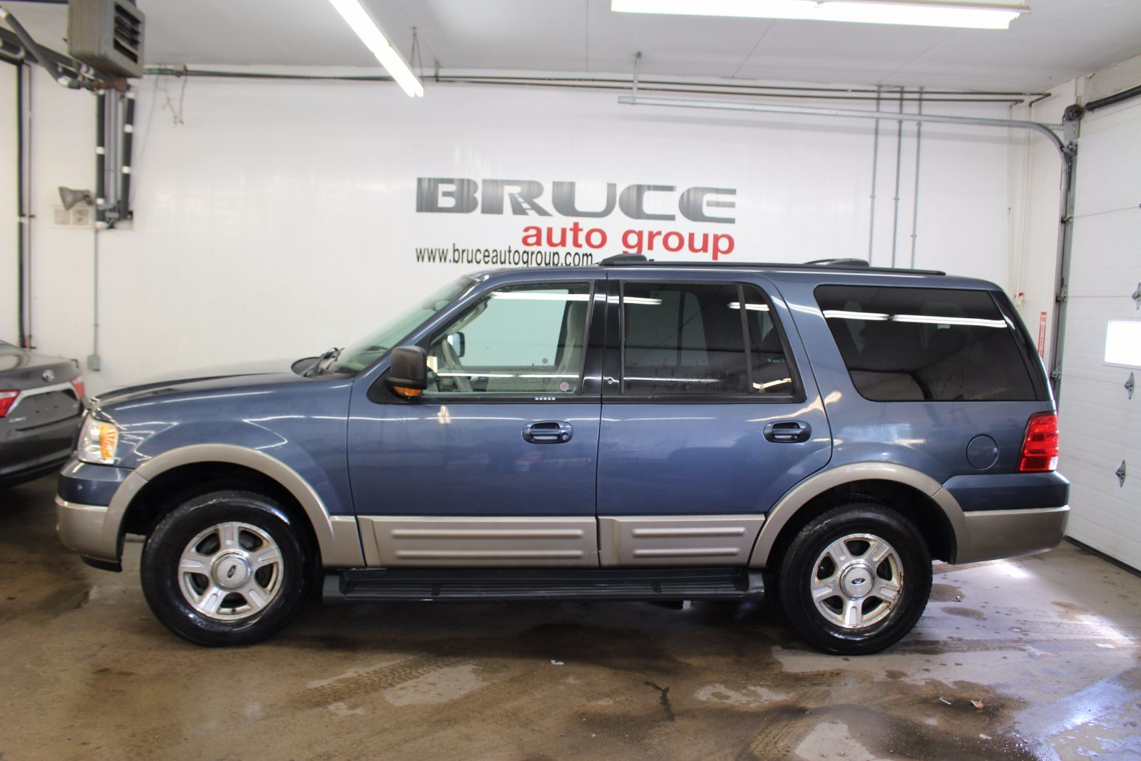 used 2003 ford expedition eddie bauer 5 4l 8 cyl automatic 4wd in middleton f16251c. Black Bedroom Furniture Sets. Home Design Ideas