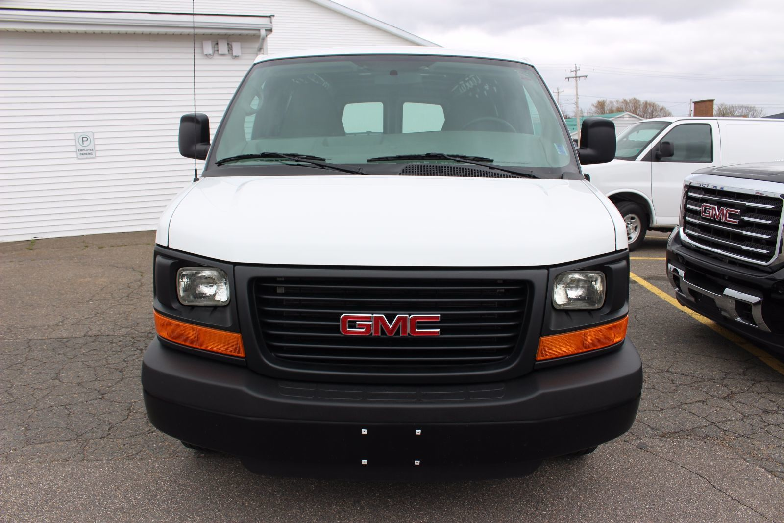 used 2015 gmc savana 2500 4 8l 8 cyl automatic rwd cargo van in middleton l1474. Black Bedroom Furniture Sets. Home Design Ideas