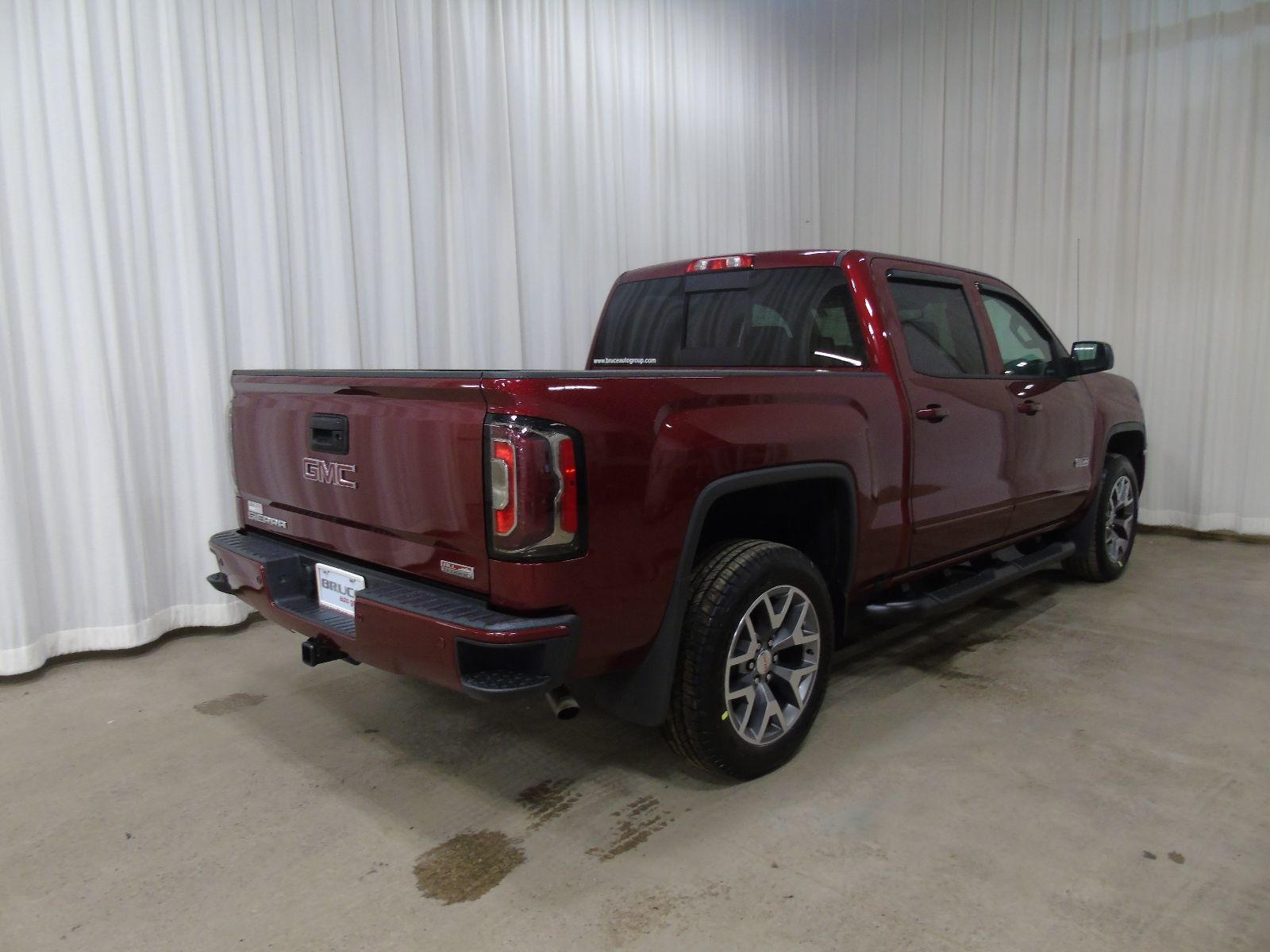 new 2017 gmc sierra 1500 slt 5 3l 8 cyl automatic 4x4 crew cab in digby gd17042. Black Bedroom Furniture Sets. Home Design Ideas