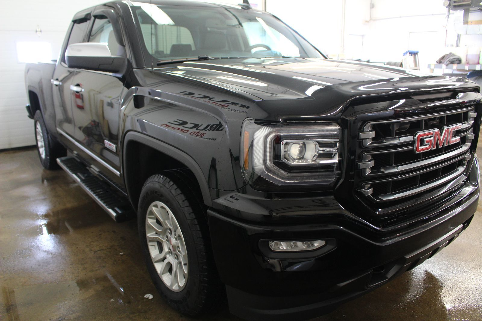 new 2016 gmc sierra 1500 sle 5 3l 8 cyl ecotec auto 4x4 shortbox ext cab for sale in middleton. Black Bedroom Furniture Sets. Home Design Ideas