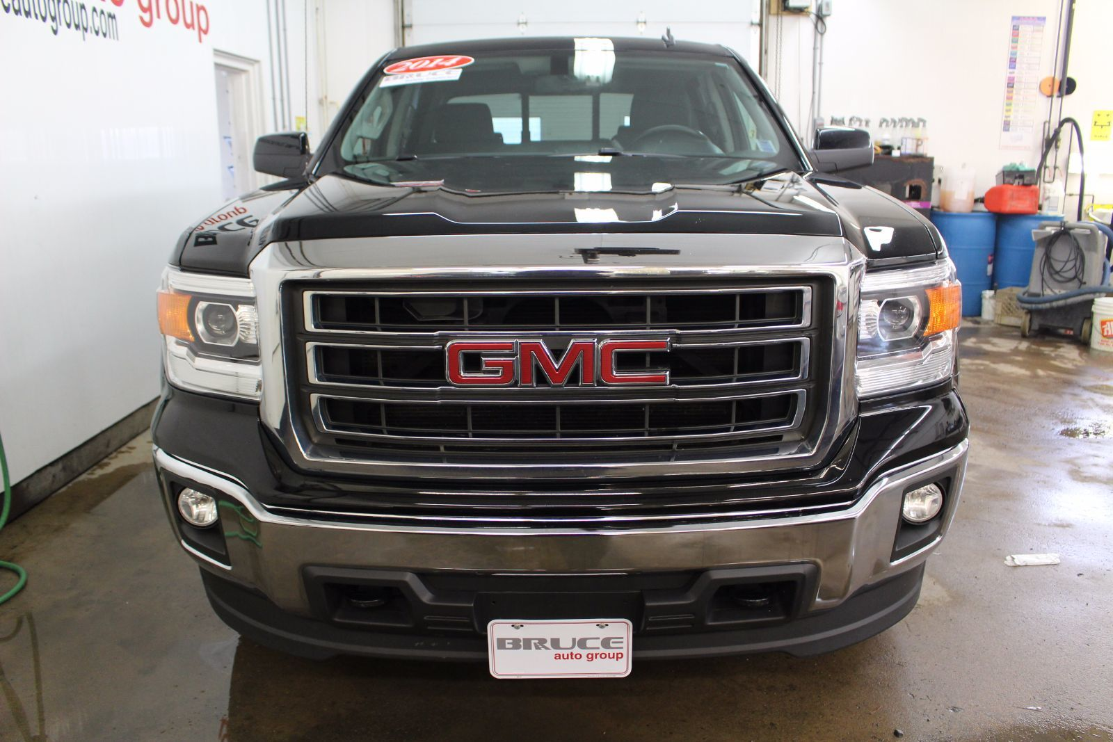 used 2014 gmc sierra 1500 sle 5 3l 8 cyl automatic 4x4 crew cab in middleton g17454a. Black Bedroom Furniture Sets. Home Design Ideas
