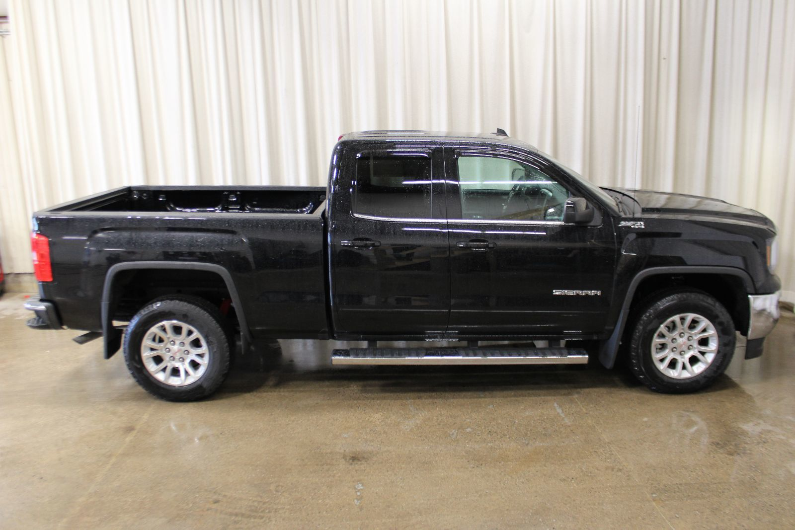 new 2017 gmc sierra 1500 z71 sle 5 3l 8 cyl automatic 4x4 extended cab in middleton g17660. Black Bedroom Furniture Sets. Home Design Ideas