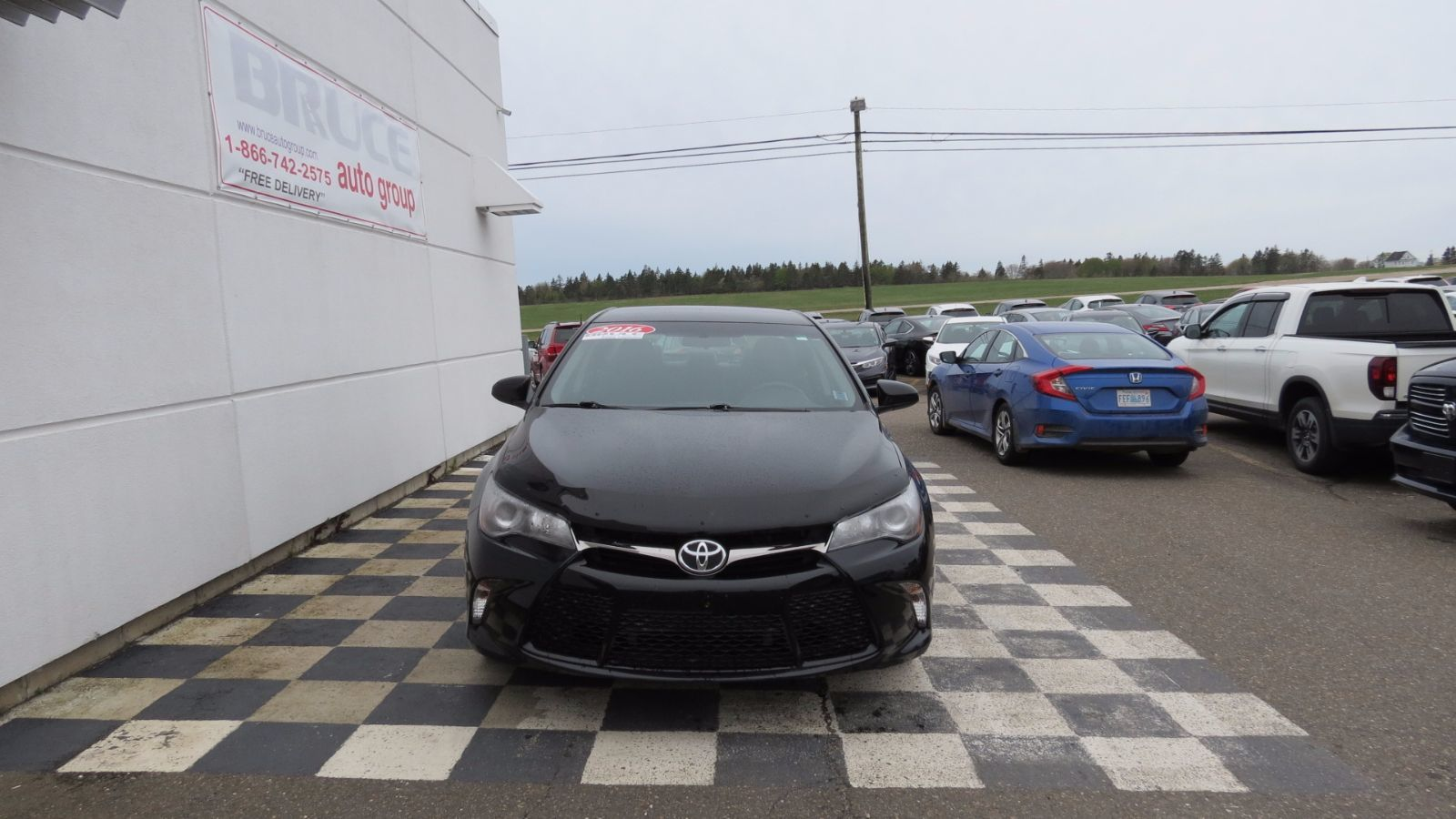 used 2016 toyota camry se 2 5l 4 cyl automatic fwd 4d sedan in new minas h3. Black Bedroom Furniture Sets. Home Design Ideas