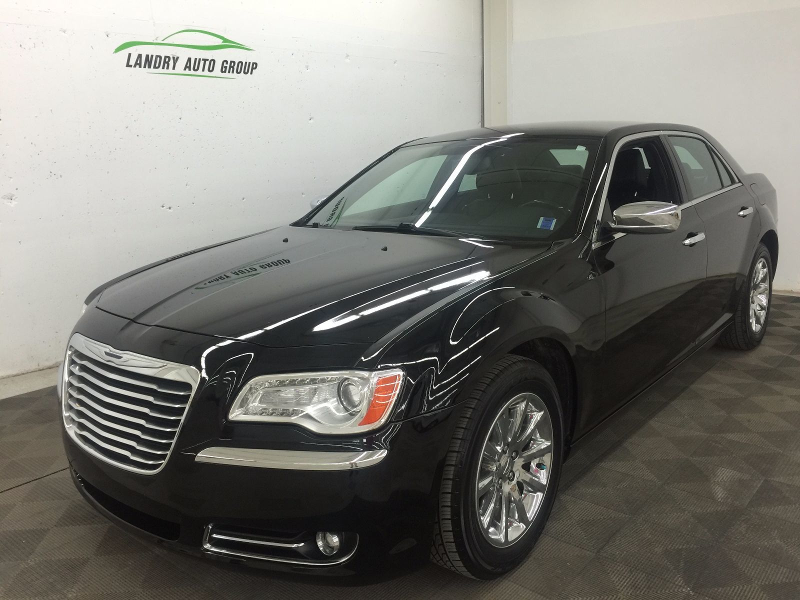 902 Auto Sales Used 2012 Chrysler 300 for sale in Dartmouth