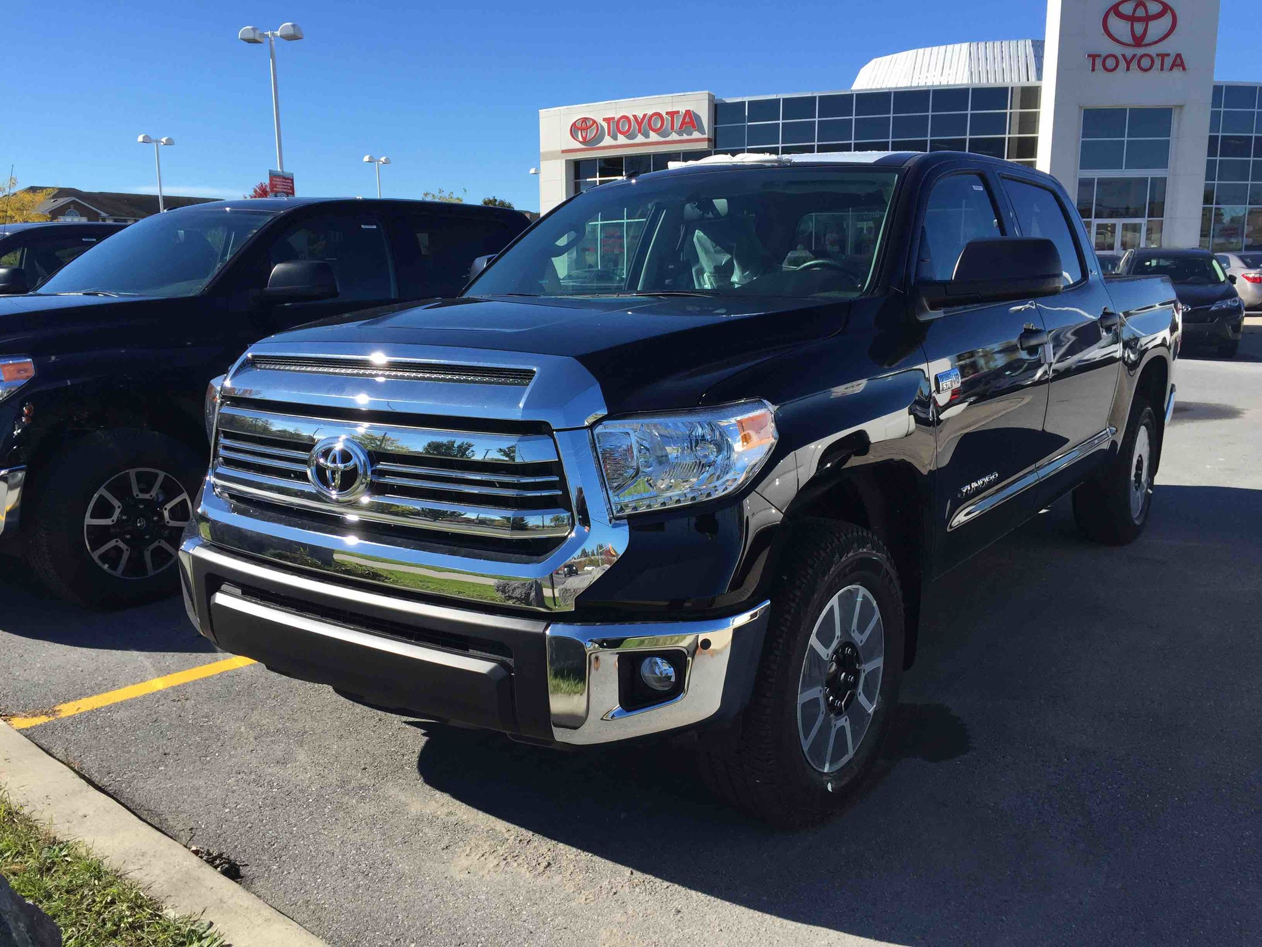new 2016 toyota tundra 4x4 crewmax sr5 5 7 6a for sale in kingston kingston toyota in kingston. Black Bedroom Furniture Sets. Home Design Ideas