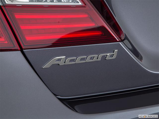 New 2017 Honda Accord Sedan SPORT-SENSING