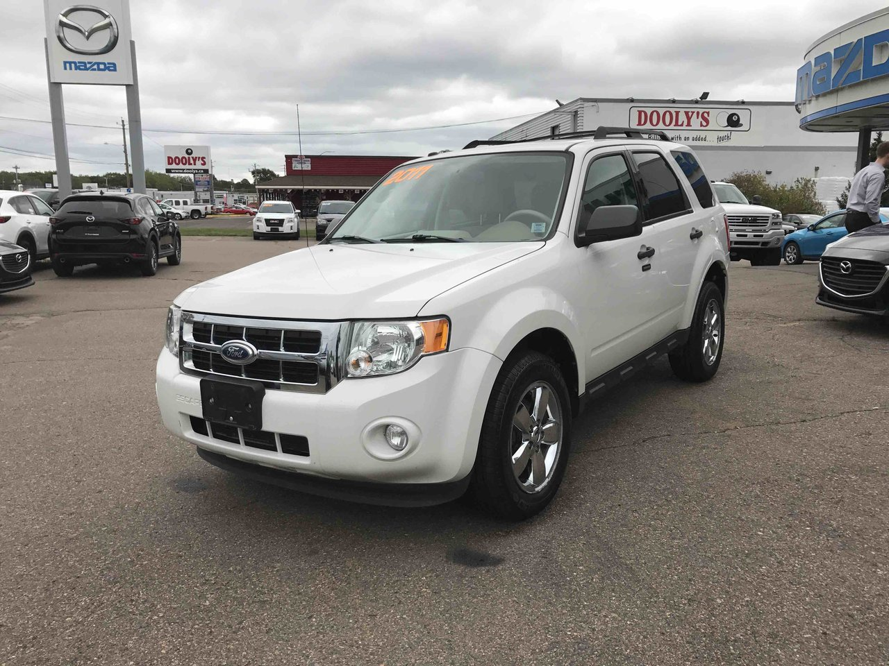 Photo 2011 Ford Escape XLT! AWD! LEATHER! ONLY 61,000KM! XLT! AWD! LEATHER! ONLY 61,000 KM!