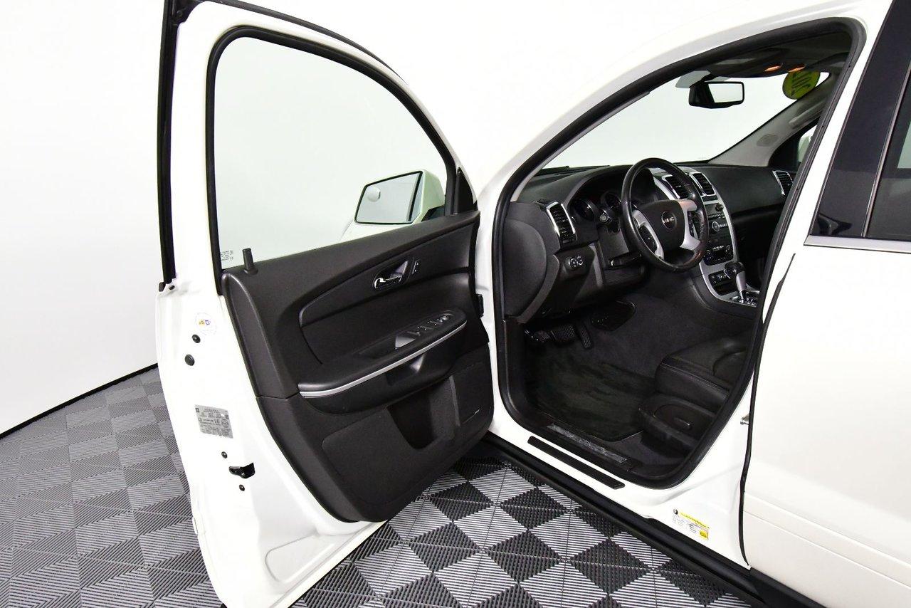 Photo GMC Acadia SLT1 AWD. Back-up cam. Heated seats. Nav 2012