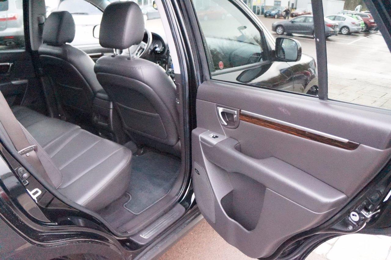 2011 Hyundai Santa Fe Cruise! Bluetooth! Heated Seats! V6! AWD!