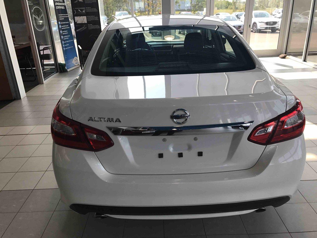 Photo 2017 Nissan Altima 2.5 S! AUTO!