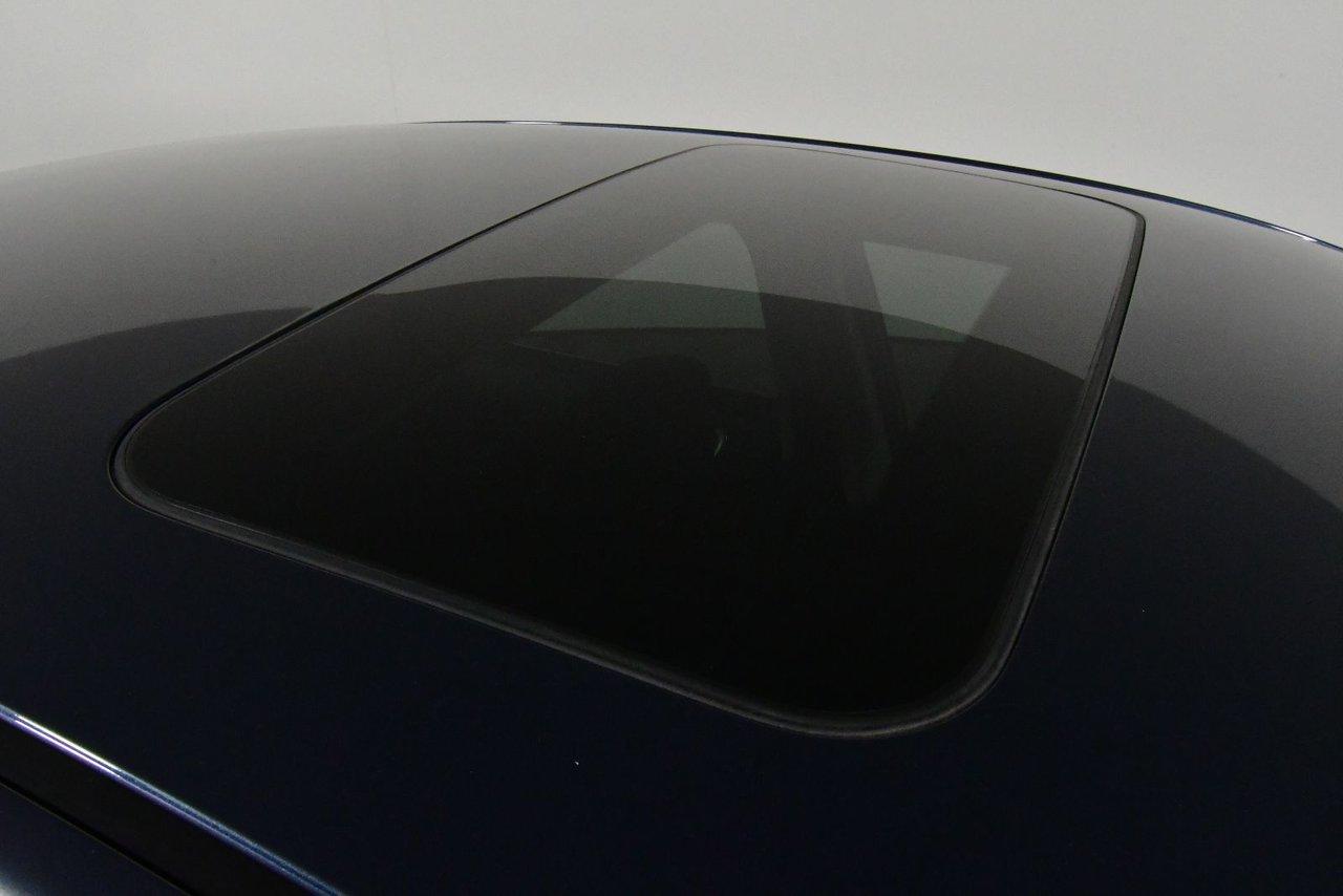 Photo 2016 Nissan Sentra SV. Keyless start.