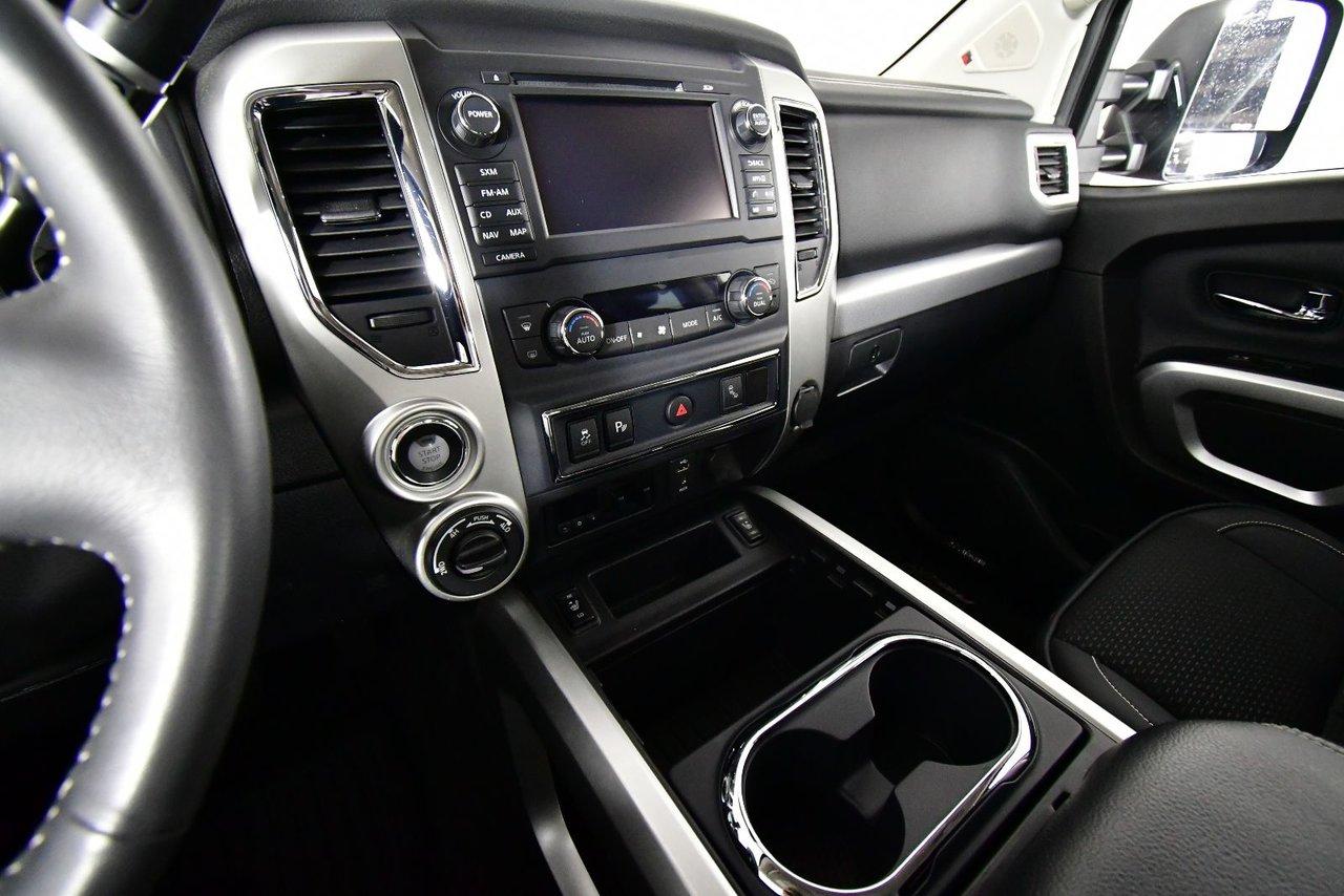 Photo 2017 Nissan Titan XD PRO-4X Cummins Diesel Diesel