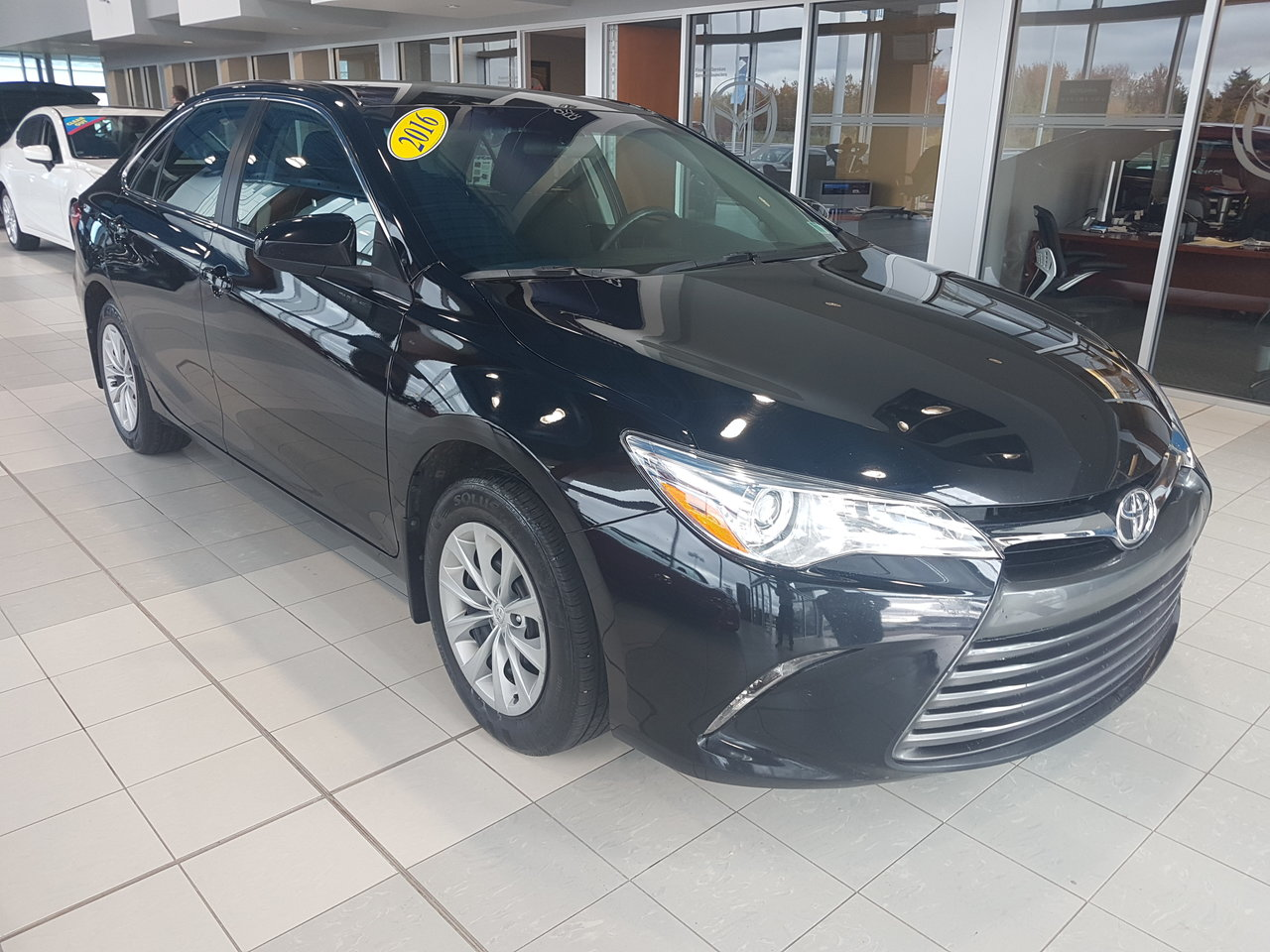 Photo 2016 Toyota Camry LE! FEATURES! BACKUP CAM!