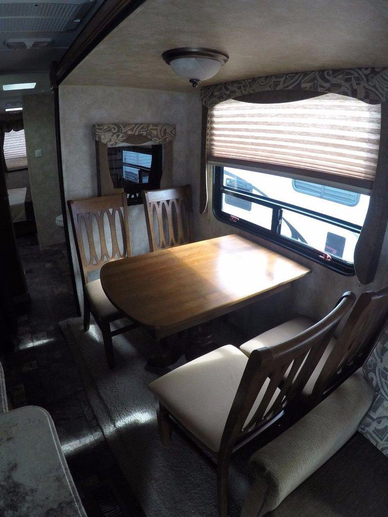 2013 Coachmen Catalina 37QBDS