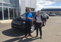 Merci à Mlle Émilie D'astous pour son Jeep Compass édition high altitude 2016, un 4x4 pour l'hiver et un toit ouvrant pour l'été!