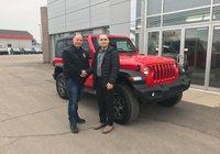 Merci à un passionné de Jeep, M. Dean Thériault qui fait l'acquisition de son 5ième Jeep Wrangler. Bonne route.