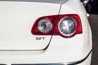 2010 Volkswagen PASSAT 2.0T 2.0T *VERY CLEAN*