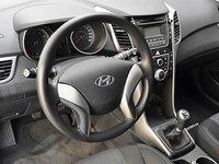 2016 Hyundai Elantra GT L | Photo 3 | Black Cloth