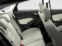 2017 Ford Focus Hatchback TITANIUM | Photo 2 | Medium Soft Ceramic Leather