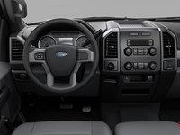 2018 Ford Chassis Cab F-550 XL | Photo 3 | Medium Earth Grey HD Vinyl Bench (AS)