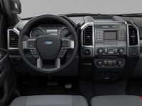 2018 Ford Chassis Cab F-550 XLT | Photo 3 | Medium Earth Grey Cloth Split Bench (3S)