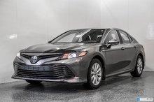 2019 Toyota Camry HYBRIDE LE 1850$ D'ACCESSOIRES