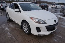 Photo Mazda 3 5 SPEED! $92 BI-WEEKLY! 160000 KM Warranty! 2012