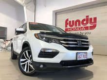 2016 Honda Pilot Touring w/loaded features