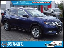 2017 Nissan Rogue SV AWD Technology & Moonroof Package