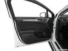 2017 Ford Fusion Hybrid SE | Photo 2