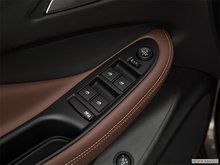 2018 Buick Envision Essence | Photo 3