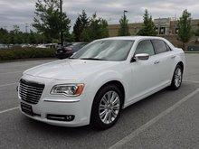 2014 Chrysler 300 HEMI V8 AWD - 51,722 km's