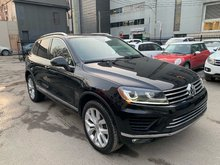 Volkswagen Touareg EXECLINE (FULL OPTIONS) (CLEAN) (LOW KM) 2016