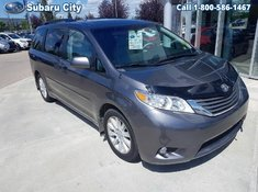 2013 Toyota Sienna XLE,AWD,LEATHER,SUNROOF,DUAL POWER SLIDING DOORS,LOADED,EXTRA RIMS AND WINTERS,CLEAN CARPROOF,LOCAL TRADE, DONT WAIT ON THIS ONE