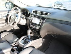 2015 Nissan Rogue SL AWD LEATHER PRICED TO MOVE