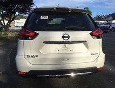 2017 Nissan Rogue SV AWD Moonroof Technology * Demo!