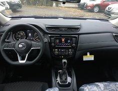 2018 Nissan Rogue SV AWD Moonroof Technology * Demo Savings, Navi!