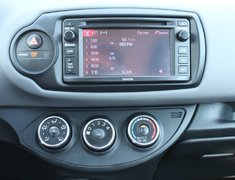 2015 Toyota Yaris LE AUTO GREAT ON GAS
