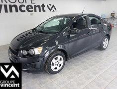 Chevrolet Sonic LS**ANTIPATINAGE** 2013