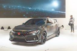 Honda Surprises Paris with a New Civic Type R - 4