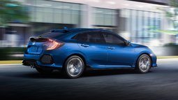 The sporty and practical 2017 Civic Hatchback is coming to Montreal, Quebec - 2