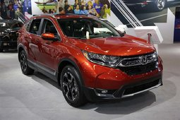The 2017 Honda CR-V showcased at the Montreal Auto Show - 2