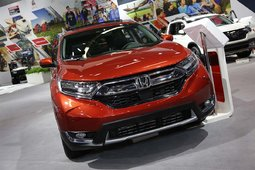 The 2017 Honda CR-V showcased at the Montreal Auto Show - 16