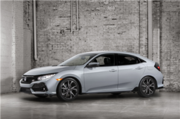 The 2017 Honda Civic Hatchback to be seen at the Montreal Auto Show - 5